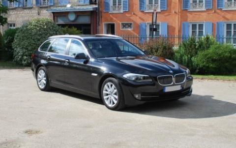 BMW Serie 5 Touring (F11) Luxe 530da Vous habitez loin de Lyon ? Nous venons vous chercher à la gare ou à l aéroport.