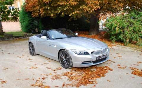 BMW Z4 (E89) SDRIVE 3.5i 306 cv Luxe Vous habitez loin de Lyon ? Nous venons vous chercher à la gare ou à l aéroport.