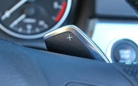 BMW 325d (E93) cabriolet Sport Design Volant Sport M avec palettes de changement de vitesse