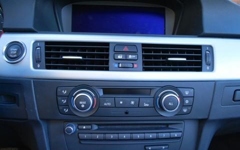 BMW 325d (E93) cabriolet Sport Design Climatisation à régulation automatique