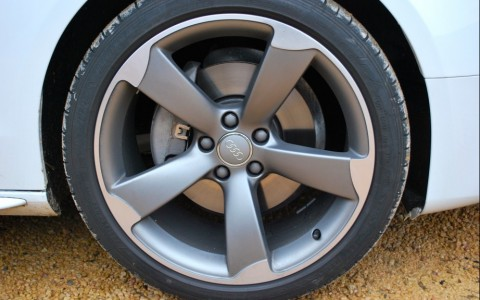 Audi A5 2.0 TFSI Quattro 225 cv Avus  Jantes AUDI EXCLUSIVE en aluminium coulé style Rotor, finition TITANE, 9JX19 AVEC PNEUS 255/35 R19