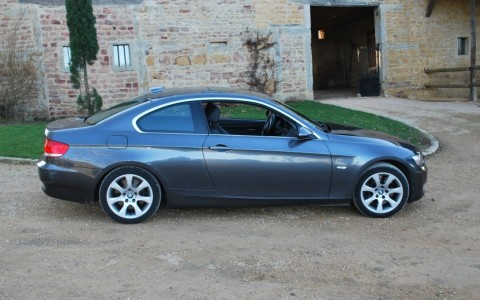 BMW 330xd Coupé (E92) Luxe 231 cv Le Pare-choc arrière sera refait avant la vente