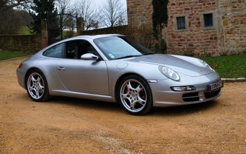 Porsche 997 Carrera S 3.8i Vous habitez loin de Lyon ? Nous venons vous chercher à la gare ou à l'aéroport.