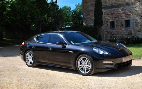 Porsche Panamera 4S PDK Vous habitez loin de Lyon ? Nous venons vous chercher à la gare ou à l'aéroport.