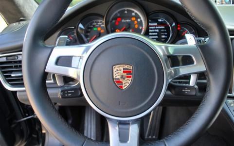 Porsche Panamera Turbo PDK 844: Volant multifonctions cuir lisse