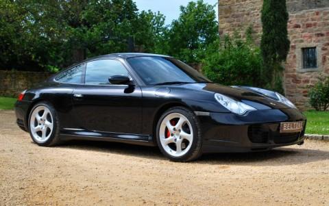 Porsche 996 Carrera 4S 3.6 320 cv Vous habitez loin de Lyon ? Nous venons vous chercher à la gare ou à l'aéroport.