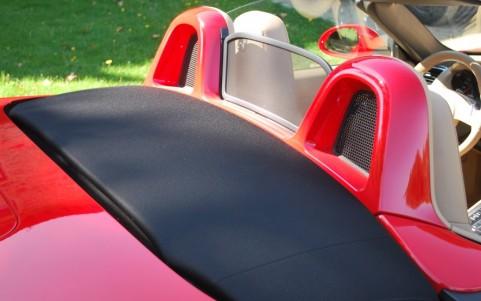 Porsche Boxster 981 2.7 265cv PDK 546 : Arceaux de sécurité en teinte extérieure : Rouge Indien.