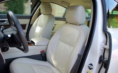 Jaguar XF 5.0 V8 385cv Luxe Premium X26B : Sellerie cuir teinte Ivory