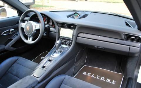 Porsche 991 3.8 GTS 430cv PDK Pack Chrono Sport Plus à fond noir avec bouton Sport et Sport Plus sur la console centrale