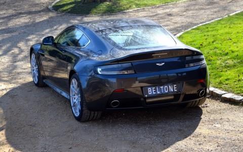 Aston Martin V12 Vantage S coupé  Peinture Gamme Contemporaine Quantum Silver