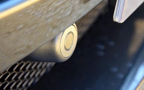 Aston Martin V12 Vantage S coupé  Aide au stationnement avant