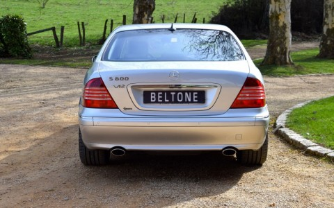 Mercedes S600 5.5 V12 500cv 220 : Parktronic - Aide au parking avant et arrière