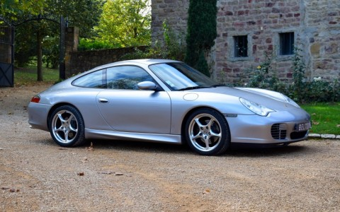 Porsche 996 Anniversaire 3.6 345cv Vous habitez loin de Lyon ? Nous venons vous chercher à la gare ou à l'aéroport.