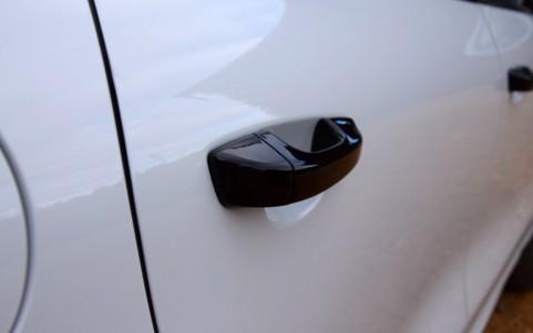 Porsche Cayenne GTS 3.6 440cv 6JA : Poignées de portes peintes en Noir (finition brillante)
