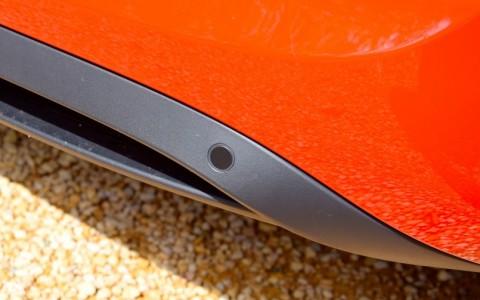Porsche Cayman 2.7 275cv PDK 636 : Assistance parking avant et arrière avec indications graphiques.